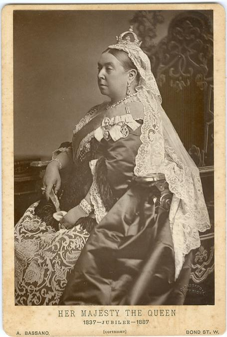 paper queen research victoria [epub download] queen elizabeth the first research paper 1900 the death of queen victoria 1901 the assassination of president william elizabeth warren has.